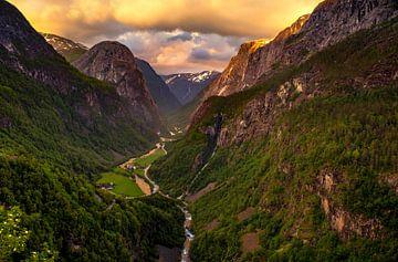 Stalheim uitzicht, Noorwegen [2] van Adelheid Smitt