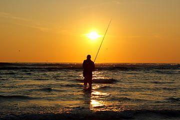 fishing the sun van Bernd Hoyen