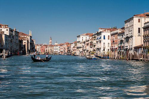 Kanalen in Venetië  von Brian Morgan
