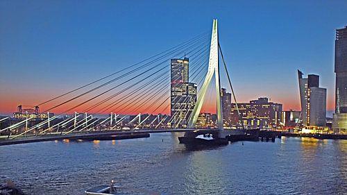 Rotterdam bei Sonnenaufgang  von RD Foto's