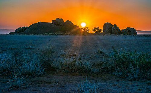 Zonsondergang in de Namib woestijn, Namibië