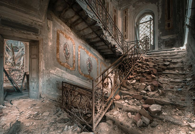 Stairs of decay van Olivier Photography