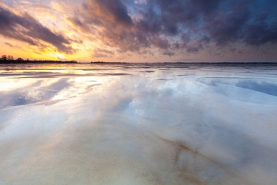 Spiegelend Schildmeer van Ron Buist