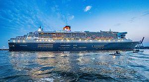 HAMBURG  Queen Mary 2 Cunard Line 16:9 Panoramabild von Joachim Fischer