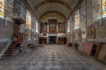 Einsamkeit – verlassene Kirche von Roman Robroek
