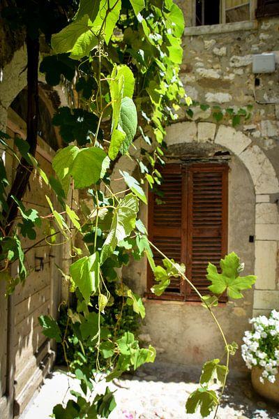 Doorkijkje in Saint-Paul-de-Vence van Kramers Photo
