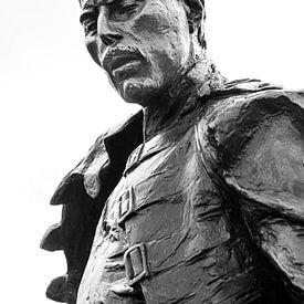 Statue von Freddie Mercury in Schwarz-Weiß von Henk Meijer Photography