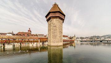 Watertoren van de Kapelbrug in Luzern - kleuren versie van Tony Buijse