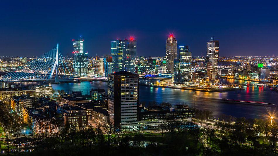Skyline of Rotterdam van Wim van de Water