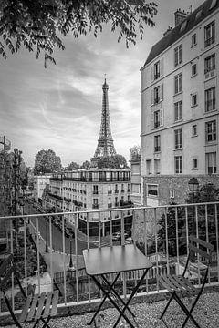 Blick zum Eiffelturm von der Rue de Longchamp | Monochrom von