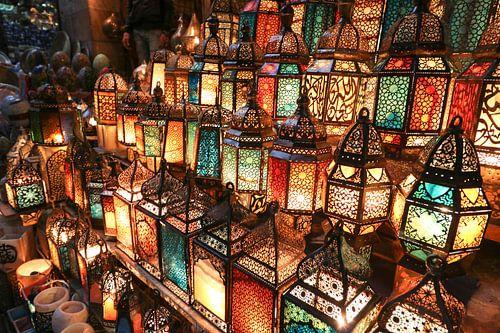 Lantaarns op de markt van Caïro