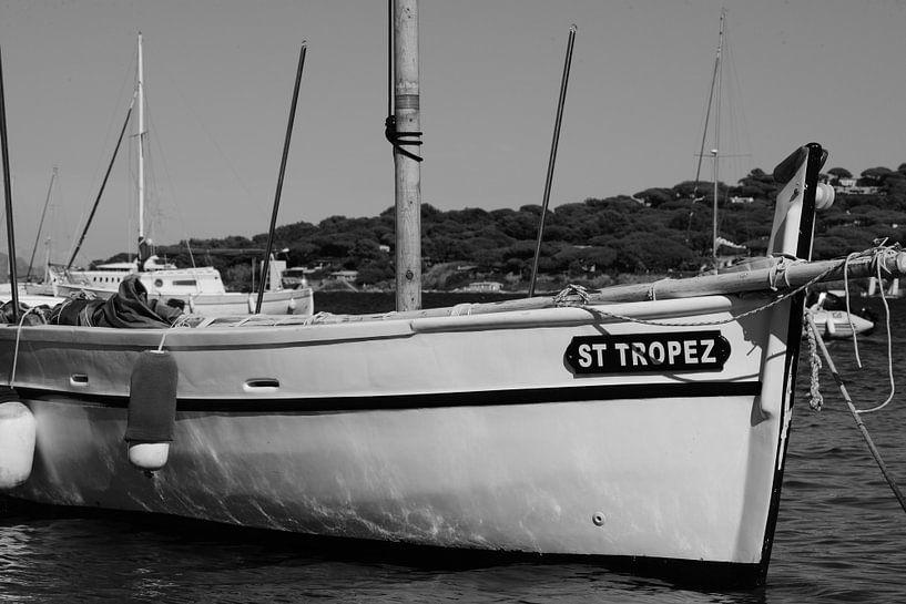 Zeilboot in Saint-Tropez van Tom Vandenhende