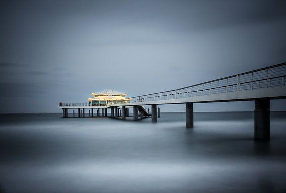 Teehaus über dem Meer