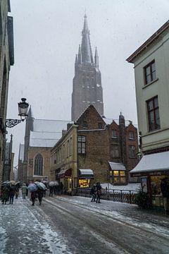 Brugge in de Winter met Onze Lieve Vrouw van Mickéle Godderis