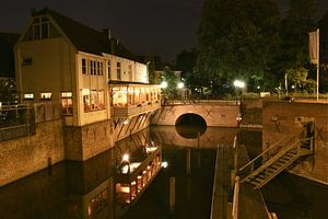 De Binnendieze van Den Bosch bij avond van