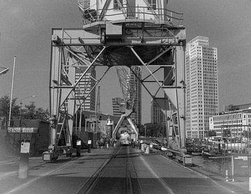 Retro8/ Leuvehaven, Maritiem museum, Rotterdam von Henry van Schijndel