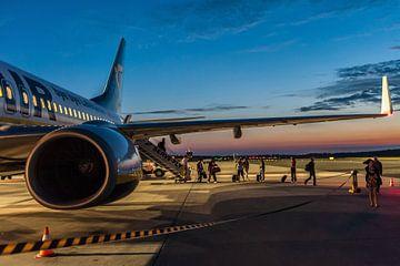 Unloading - Passagierflugzeug von Aen Seavherne