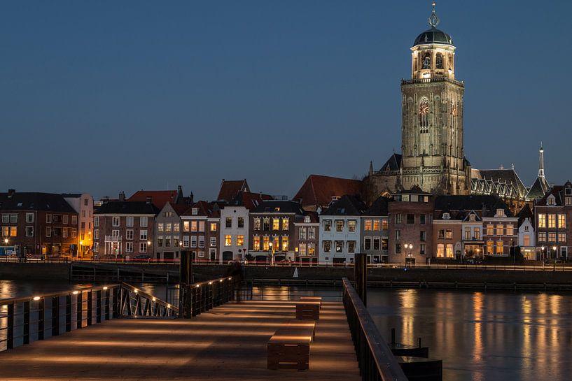Hanzestad Deventer in de avond van VOSbeeld fotografie