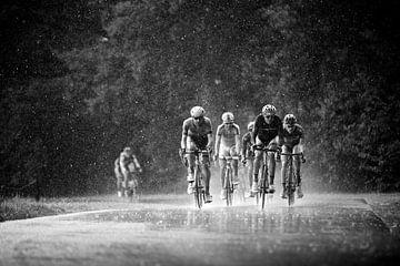 Radrennfahrer verstecken sich nicht von Leon van Bon