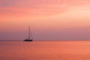 Bootje op het Ijsselmeer van Elroy Spelbos