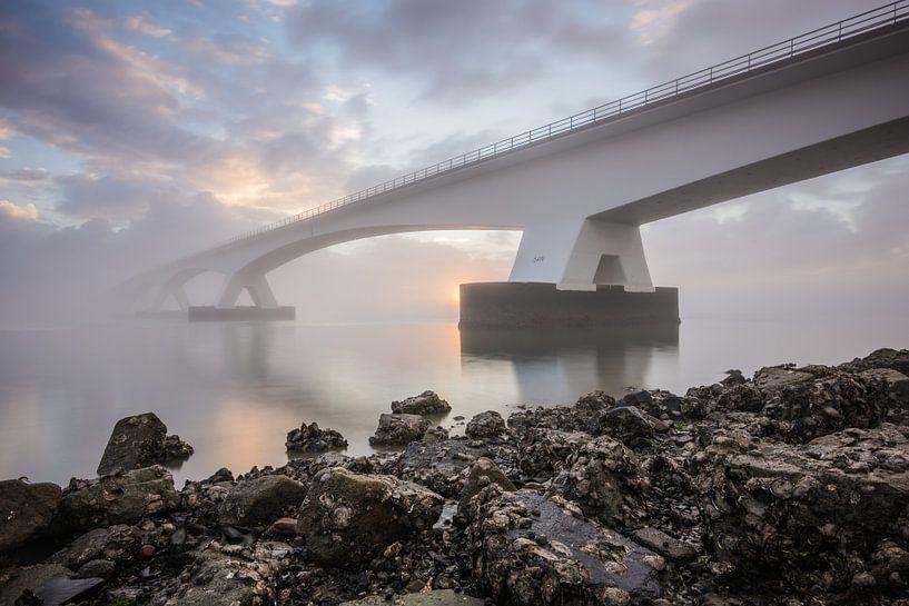Lever du soleil au pont de Zeelandbrug sur Max ter Burg Fotografie