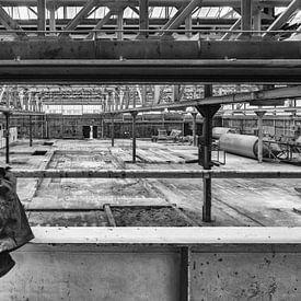 Urbex verlaten hal betonfabriek Betonson van Silvia Thiel