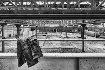 Urbex verlaten hal betonfabriek van