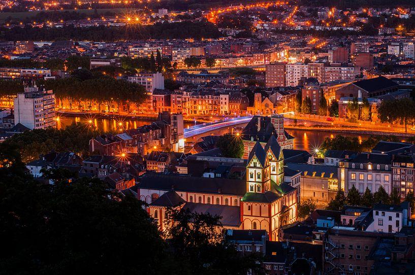 Luik by nacht  van Bert Beckers