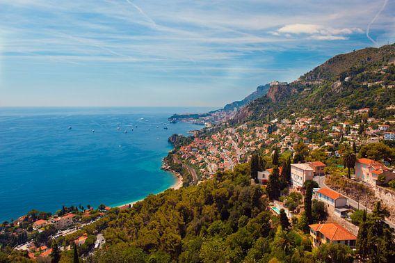 Monaco seen from the mountain van Brian Morgan