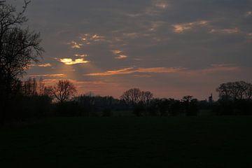 Nederlandse lucht bij zonsondergang van Luci light