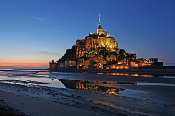 Le Mont-Saint Michel zur blauen Stunde von Frank Herrmann