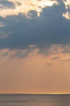 Windmolens bij zonsondergang 4 von Fred Icke