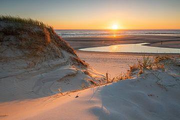 Sonnenuntergang am Slufter, Texel von Patrick van Oostrom