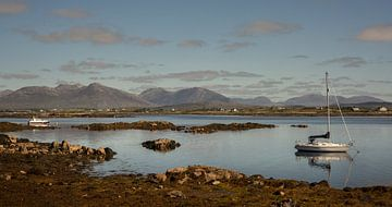 Roundstone Harbor van Bo Scheeringa Photography