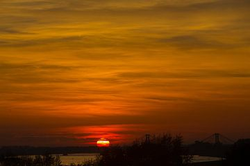 Zonsondergang in de Betuwe von Wijco van Zoelen