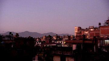 'Voor het vallen van de nacht', Kathmandu- Nepal von Martine Joanne