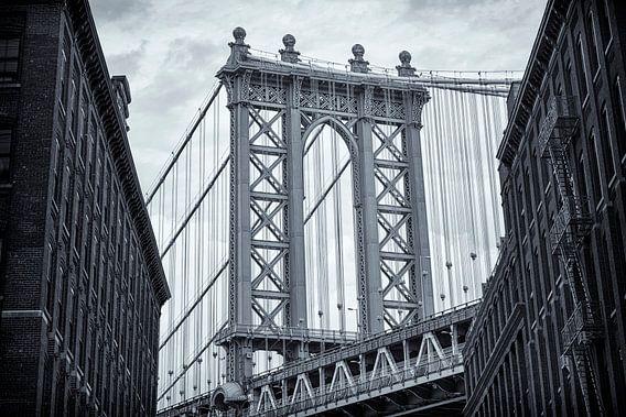 Manhattan Bridge 02 van Peter Bongers