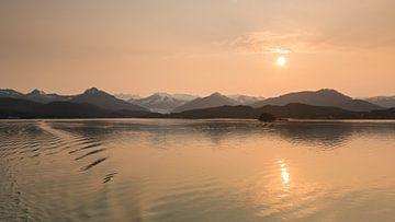 Auke Bay voor de stad Juneau van Denis Feiner