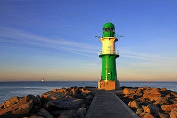 Leuchtturm am Abend von Ostsee Bilder