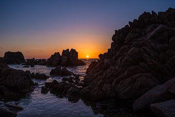 Zonsondergang op Sardinië van Tom Rijpert