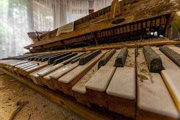 altes Klavier von Ecarna