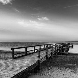 De steiger bij de stille zee van Werner Reins