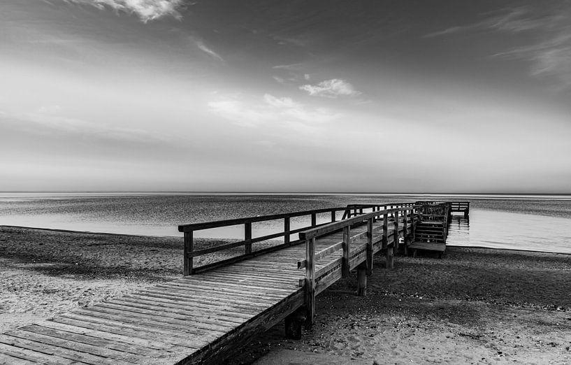 Der Steg am stillen Meer von Werner Reins