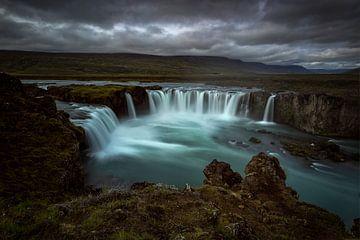 Godafoss (Goðafoss) waterval van Michael Bollen