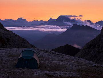 Sonnenaufgang in den Bergen von Frank Peters