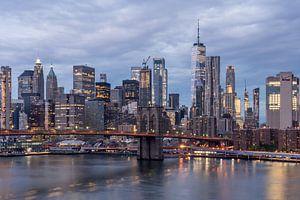Lower Manhattan with One World Trade Center & Brooklyn Bridge.