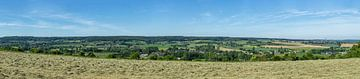 Uitzicht op Vaals met haar buurtschapen van John Kreukniet