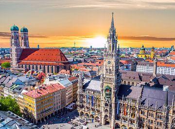 Panorama von München in Bayern von Animaflora PicsStock
