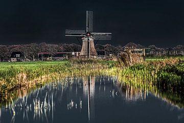 """Le moulin """"Het Zwaantje&quot ; dans le Gaasterland, en Frise, reflétait sur Harrie Muis"""