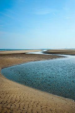 Sand und Wasser 1 von Anouschka Hendriks
